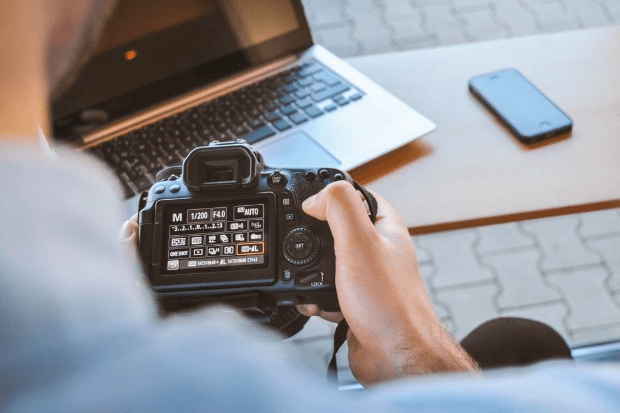 4 Cool Gadgets for All Photo Enthusiasts This Holiday Season